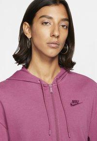 Nike Sportswear - MIT DURCHGEHENDEM REISSVERSCHLUSS - Zip-up hoodie - mulberry rose/villain red - 3