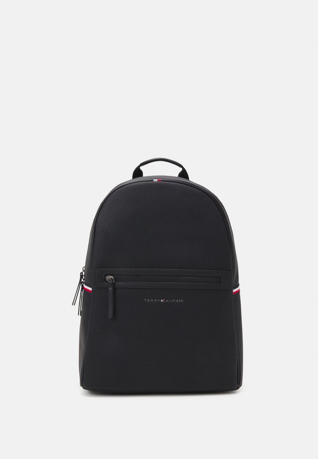 ESSENTIAL BACKPACK UNISEX - Tagesrucksack - black