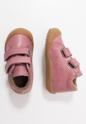 RACOON - Baby shoes - rosa