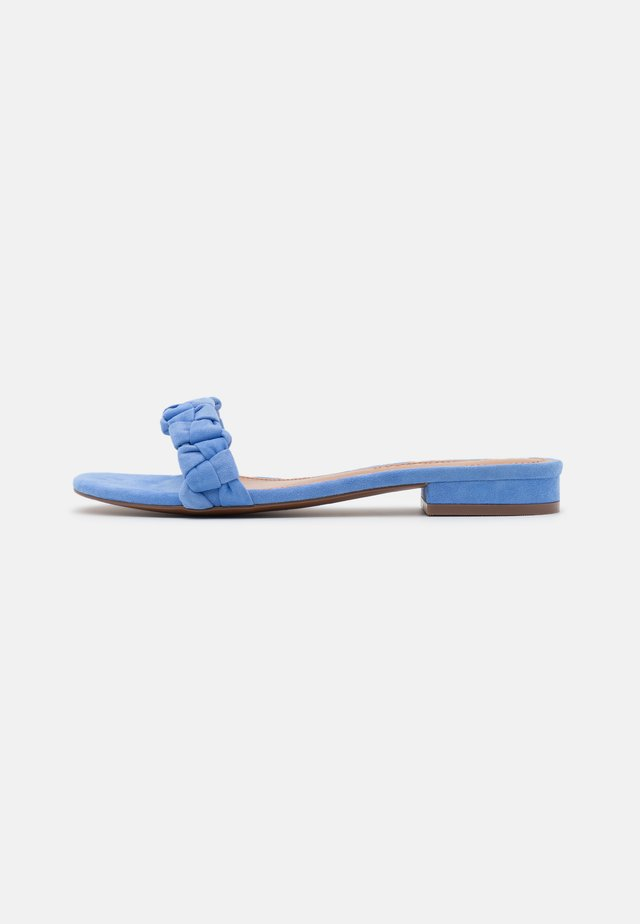 CELIA - Klapki - boy blue