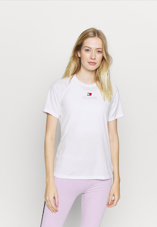 PERFORMANCE LOGO - T-shirt print - white