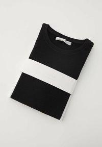 PULL&BEAR - T-shirt basic - black - 6