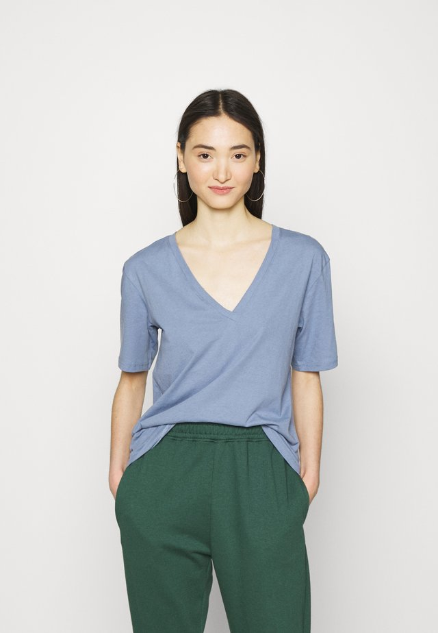 LAST VNECK - T-shirt basic - blue/grey