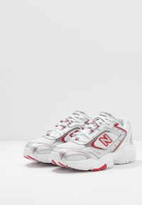 New Balance - WX452 - Sneakers - white/black/team red - 2