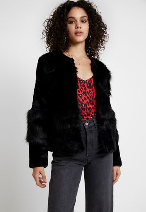 VMCITY SHORT FAUX FUR JACKET - Chaqueta de invierno - black