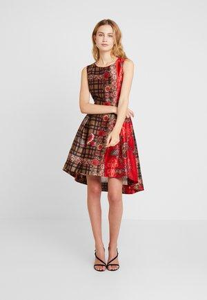 BALTIMORE - Denní šaty - red