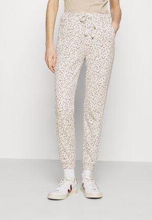 SHIRRED WAIST - Teplákové kalhoty - brown