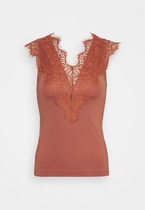 PCILU - Print T-shirt - copper brown