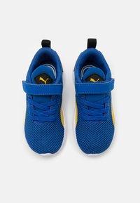 Puma - FLYER RUNNER UNISEX - Neutral running shoes - lapis blue/super lemon/white - 3