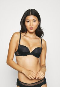 LASCANA - BETTY BRA - Underwired bra - black - 2