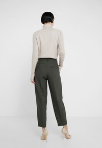 Bruuns Bazaar - CINDY DAGNY PANT - Pantalon classique - deep forest - 2