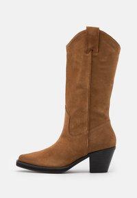 Selected Femme - SLFLOUISE  - Cowboy/Biker boots - cognac - 1