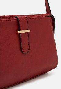 Anna Field - Across body bag - dark red - 4