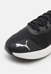 Puma - LIBERATE NITRO - Obuwie do biegania treningowe - black/lava blast - 5