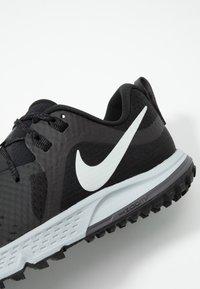 Nike Performance - AIR ZOOM WILDHORSE 5 - Zapatillas de trail running - black/barely grey/thunder grey/wolf grey - 6