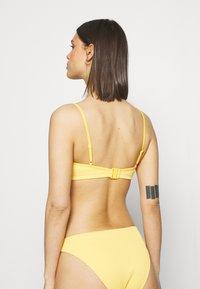 Weekday - AQUATICA SWIM - Bikini top - yellow - 2