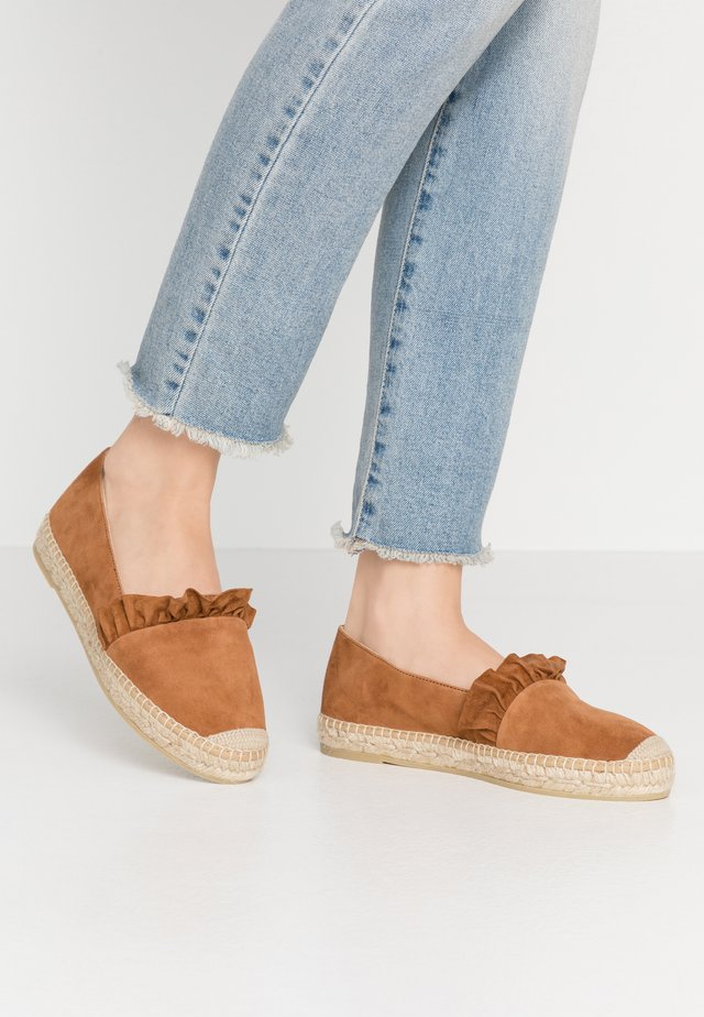 DORA - Loafers - cognac