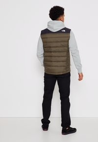 The North Face - ACONCAGUA VEST - Bodywarmer - black / new taupe green - 3