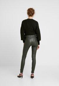 b.young - KATO KIKO - Trousers - peat green - 2