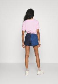adidas Originals - Short en jean - indigo/bahia blue - 2