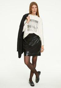 comma casual identity - Sweatshirt - light cream placeed print - 1