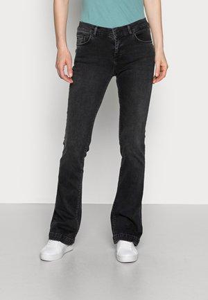 FALLON - Flared jeans - hara wash