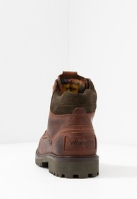 Wrangler - YUMA - Lace-up ankle boots - cognac/military - 3