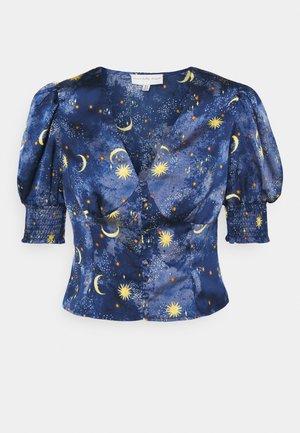 MOON STARS SHORTSLEEVE LINDOS - Blůza - navy/multi