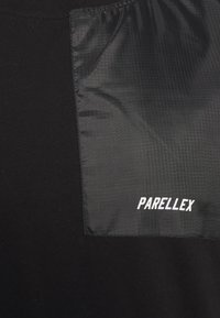 PARELLEX - PEAKER TEE - Triko spotiskem - black - 2