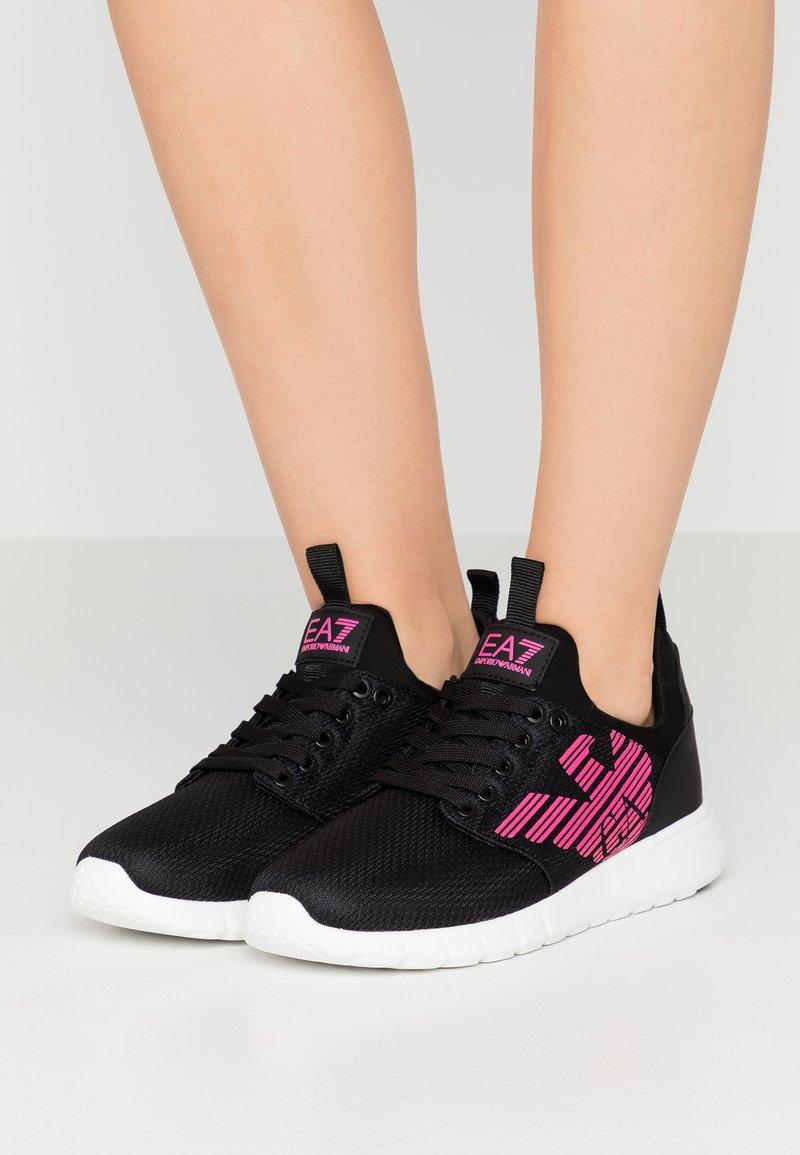 EA7 Emporio Armani - NEON - Sneakersy niskie - black / neon pink