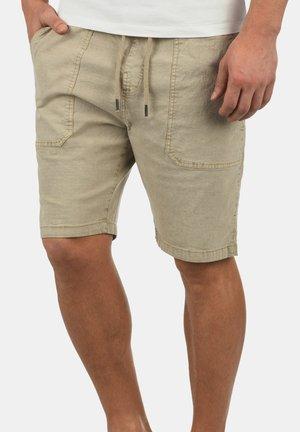 FRANCESCO - Shorts - white pepp