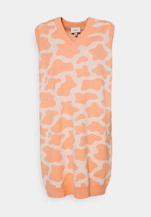 NASHVILLE DRESS - Jumper dress - pink/cream