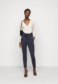 Vero Moda Tall - VMEVA PAPERBAG PANT - Trousers - night sky - 1