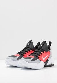 Nike Performance - AIR MAX ALPHA SAVAGE - Sports shoes - wolf grey/white/laser crimson/anthracite - 2