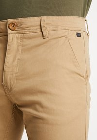 Blend - BHNATAN PANTS - Pantalones chinos - sand brown - 3