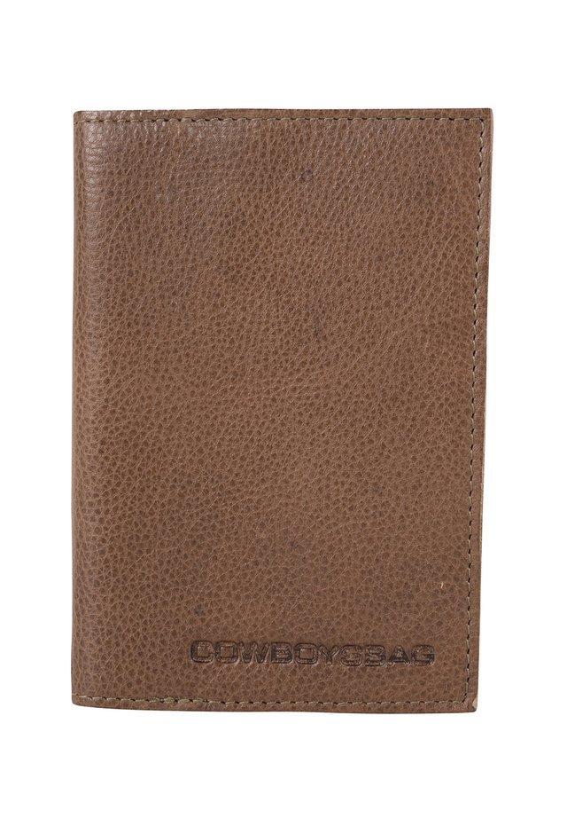 CASPER - Paspoorthouder - taupe