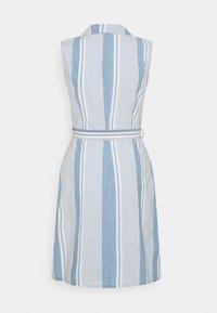 Vero Moda Tall - VMAKELASANDY CHAMBRAY SHORT - Shirt dress - light blue denim/white - 1
