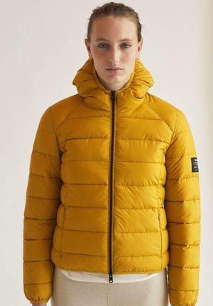 Winter jacket - amarillo