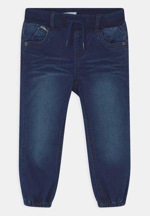 NMMBOB DNMTOLLYS - Jeans Relaxed Fit - dark blue denim