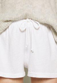 American Vintage - VEGIFLOWER - Shorts - blanc - 4