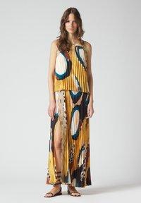 Manila Grace - Maxi dress - senape - 0