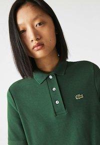Lacoste - Polo shirt - grün - 3