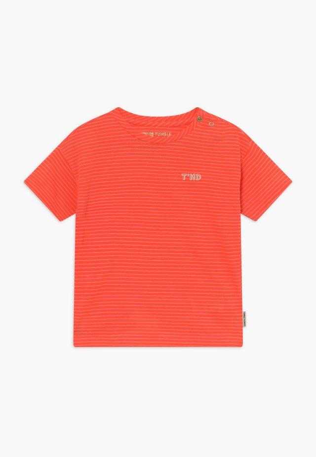 MONA - T-shirt print - fiery coral