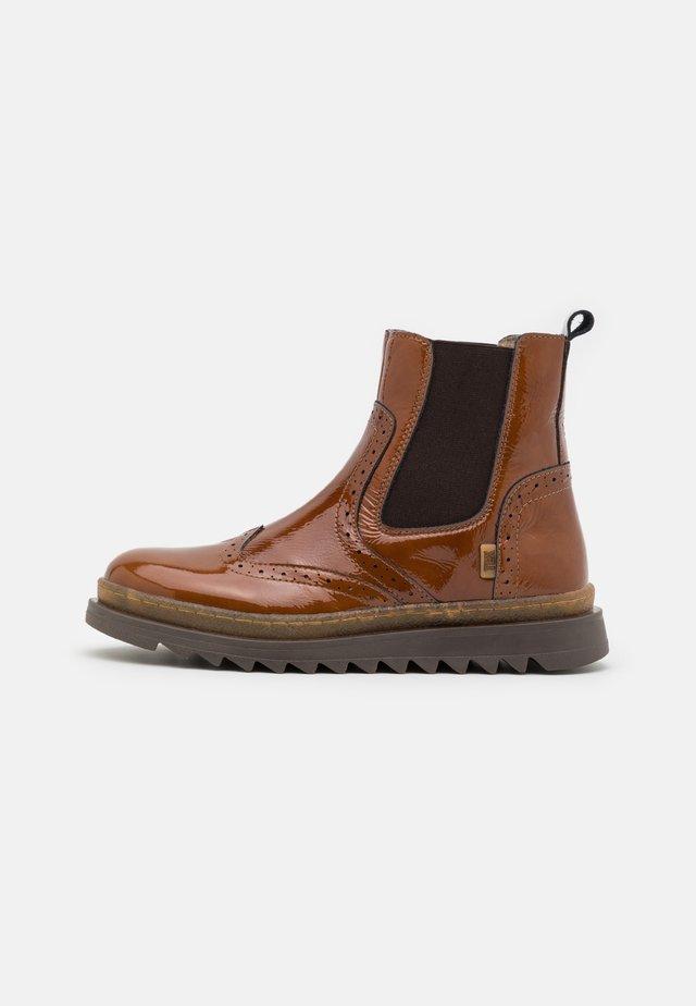 DORIS - Kotníkové boty - cognac