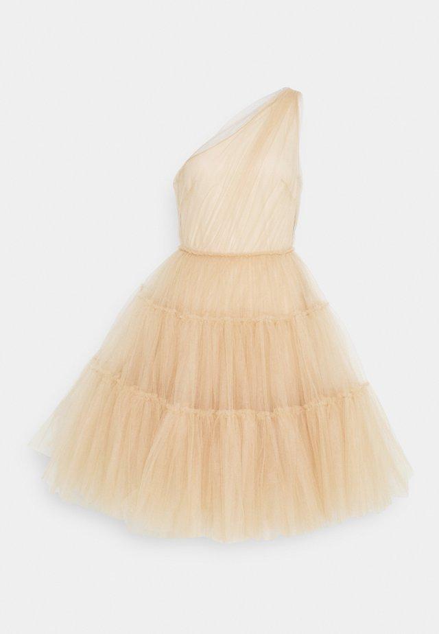 Koktejlové šaty/ šaty na párty - nude
