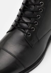Zign - LEATHER - Lace-up ankle boots - black - 5