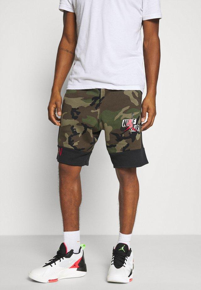 CAMO SHORT - Pantaloni sportivi - olive/black