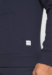Jack & Jones - JJEBASIC ZIP HOOD - Felpa aperta - navy blazer - 5