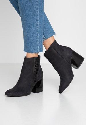 TOMMY JEANS ZIP MID HEEL BOOT - Kotníková obuv na vysokém podpatku - black