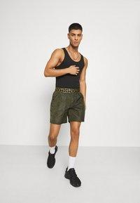 Glorious Gangsta - ETIO - Shorts - khaki - 1